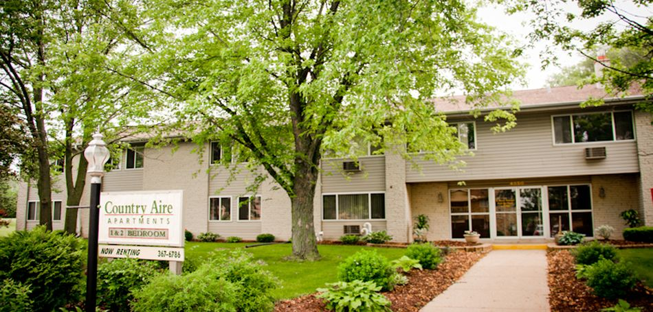 Country Aire Apartments - Hartland, WI