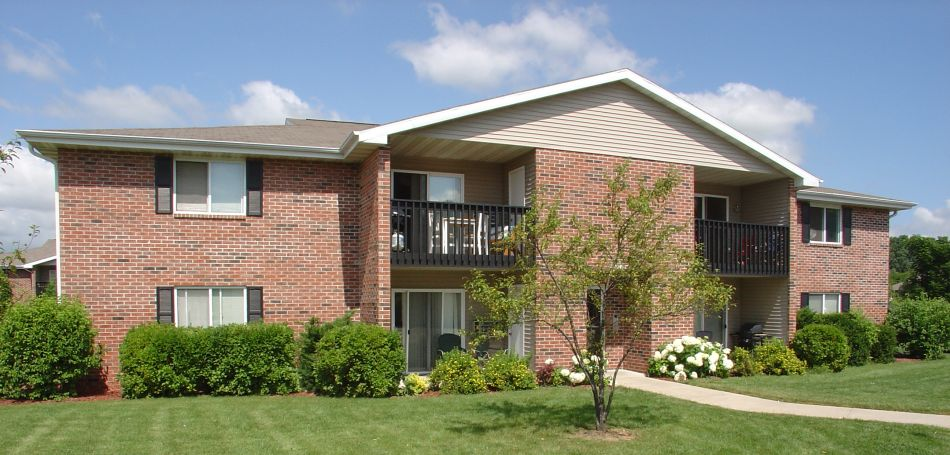 Maple Creek apartments in Sussex WI