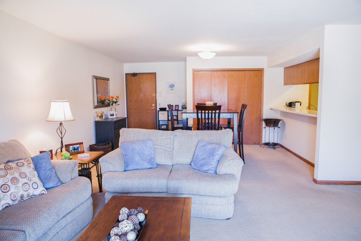 Appleton Place Menomonee Falls 2 bed ranch 130