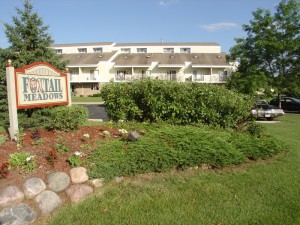 Foxtail Meadows apartments in Pewaukee exterior