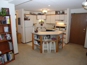 Wauwatosa Wilshire Manor 1 bed ranch 518